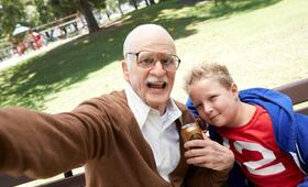 Jackass Presents: Bad Grandpa mit Johnny Knoxville und Jackson Nicoll - Bild 1