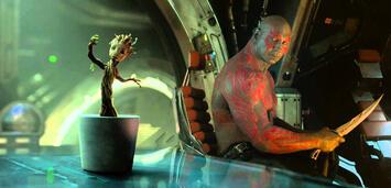 Bild zu:  Baby Groot tanzt in Guardians of the Galaxy (mit Dave Bautista als Drax)