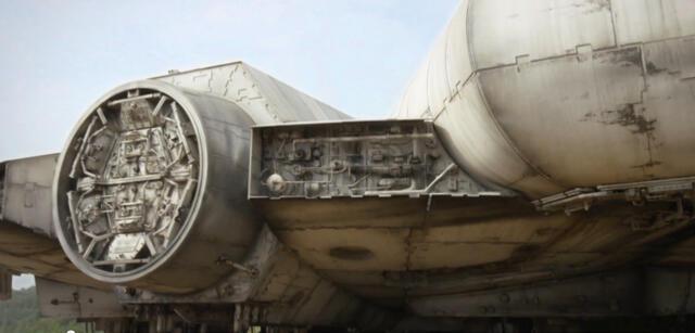 Der Millennium Falke aus Star Wars Episode 7