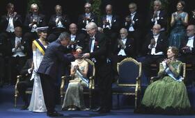 Der Nobelpreisträger mit Oscar Martínez - Bild 12