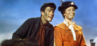 Dick Van Dyke und  Julie Andrews in Mary Poppins