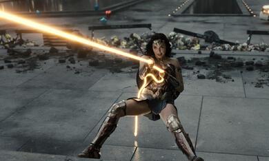 Zack Snyder's Justice League mit Gal Gadot - Bild 3