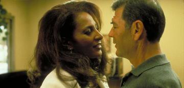 Robert Forster und Pam Grier in Jackie Brown