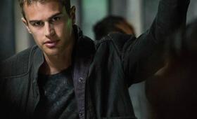 Die Bestimmung - Divergent mit Theo James - Bild 7