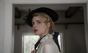 I Am the Pretty Thing That Lives in the House mit Lucy Boynton - Bild 14