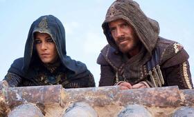 Assassin's Creed mit Michael Fassbender und Ariane Labed - Bild 43