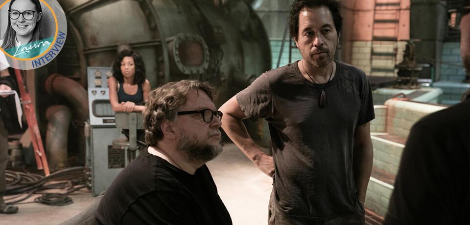 Paul D. Austerberry und Guillermo del Toro am Set von Shape of Water