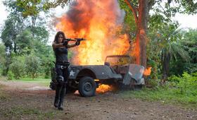 Hard Target 2 mit Rhona Mitra - Bild 9