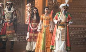Aladdin mit Naomi Scott, Navid Negahban, Numan Açar und Nasim Pedrad - Bild 24