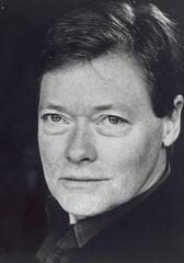 Simon Ward