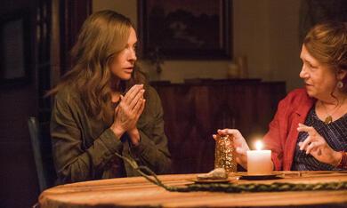 Hereditary - Das Vermächtnis mit Toni Collette und Ann Dowd - Bild 1