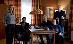 Die Auferstehung mit Joachim Król, Herbert Knaup, Dominic Raacke, Michael Rotschopf, Leslie Malton und Brigitte Zeh - Bild 4