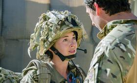 Eine Frau an der Front, Staffel 1 mit Lacey Turner - Bild 13