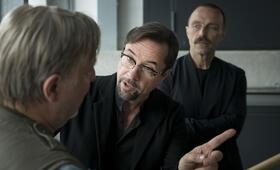 Tatort: Gott ist auch nur ein Mensch mit Jan Josef Liefers und Aleksandar Jovanovic - Bild 11