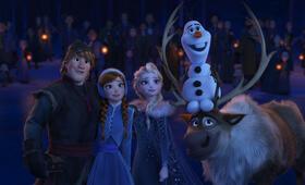 Die Eiskönigin - Olaf taut auf - Bild 1