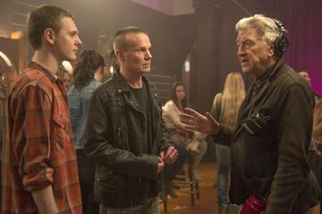 David Lynch (rechts) am Set von Twin Peaks: The Return
