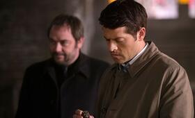 Staffel 10 mit Misha Collins und Mark Sheppard - Bild 7