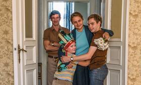 Der Junge muss an die frische Luft mit Luise Heyer, Sönke Möhring und Julius Weckauf - Bild 1