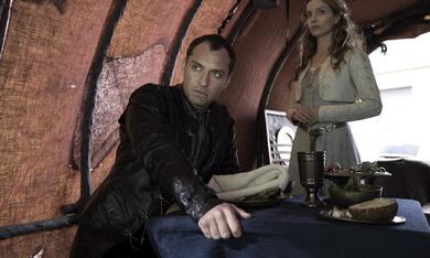 King Arthur: Legend of the Sword mit Jude Law und Annabelle Wallis - Bild 9