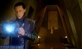 Thor mit Tom Hiddleston - Bild 15