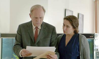 Tatort: Es lebe der Tod mit Ulrich Tukur und Barbara Philipp - Bild 2