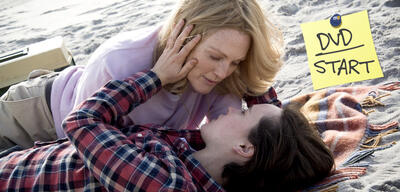 Julianne Moore & Ellen Page in Freeheld