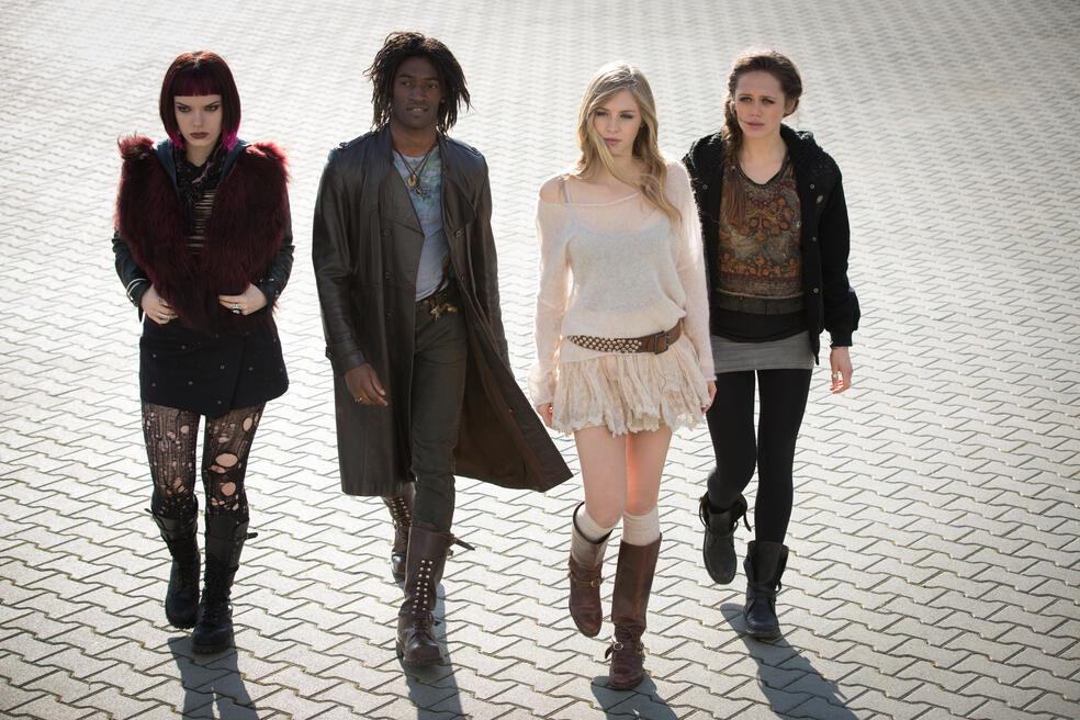 Fallen - Engelsnacht mit Hermione Corfield, Sianoa Smit-McPhee, Daisy Head und Malachi Kirby