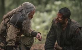 Knightfall - Staffel 2 mit Mark Hamill und Tom Cullen - Bild 3