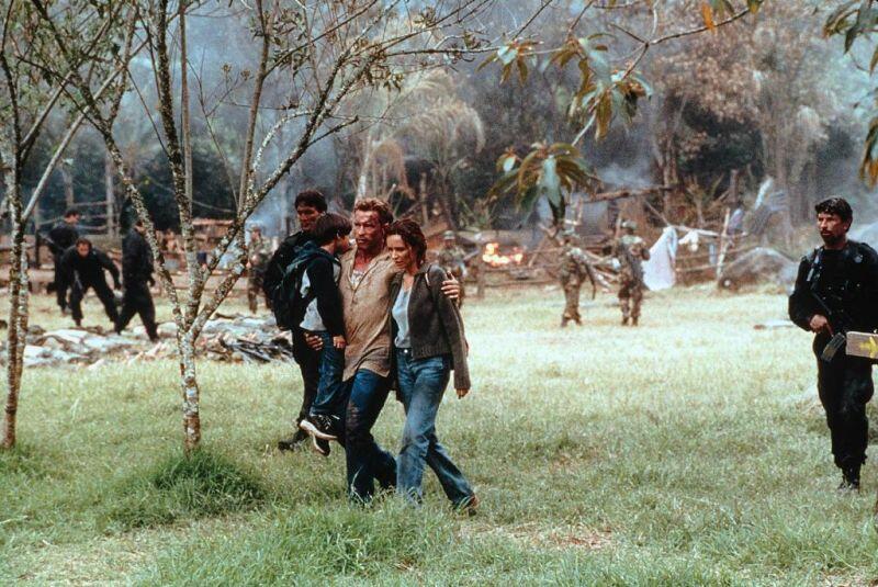Collateral Damage mit Arnold Schwarzenegger und Tyler Posey