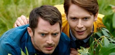 Elijah Wood und Samuel Barnett in Dirk Gentlys Holistische Detektei.