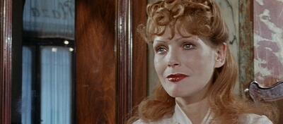 Martha, verkörpert von Margit Carstensen