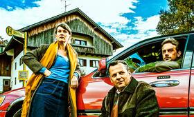 Falsche Siebziger mit Sebastian Bezzel und Kathrin von Steinburg - Bild 74