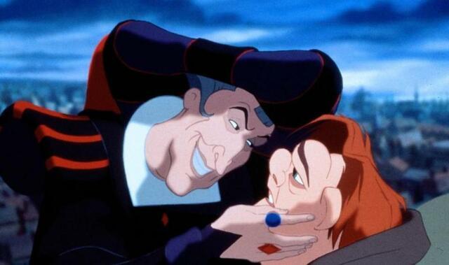 Frollo und Quasimodo in Der Glöckner von Notre Dame