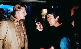 Alarmstufe: Rot mit Tommy Lee Jones und Gary Busey - Bild 49