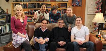 Bild zu:  The Big Bang Theory Cast mit Leonard Nimoy