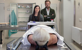 Die Bestatterin - Der Tod zahlt alle Schulden mit Anna Fischer und Christoph Letkowski - Bild 6