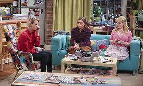 The Big Bang Theory Staffel 9 mit Melissa Rauch und Mayim Bialik - Bild 9