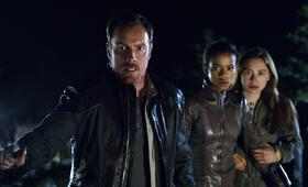 Lost in Space - Verschollen zwischen fremden Welten - Staffel 1 mit Toby Stephens und Taylor Russell - Bild 16