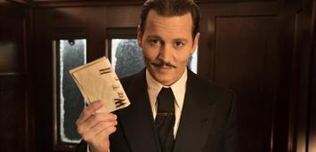 Bild zu:  Johnny Depp spielt die Leiche in Mord im Orient Express