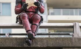 Deadpool mit Ryan Reynolds - Bild 13