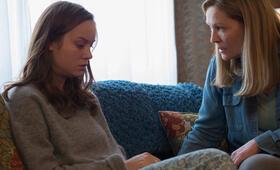 Raum mit Brie Larson und Joan Allen - Bild 9