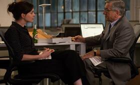 Anne Hathaway in Man lernt nie aus - Bild 105