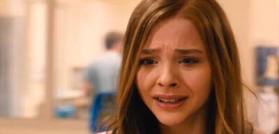 Traurige Chloë Grace Moretz in Wenn ich bleibe