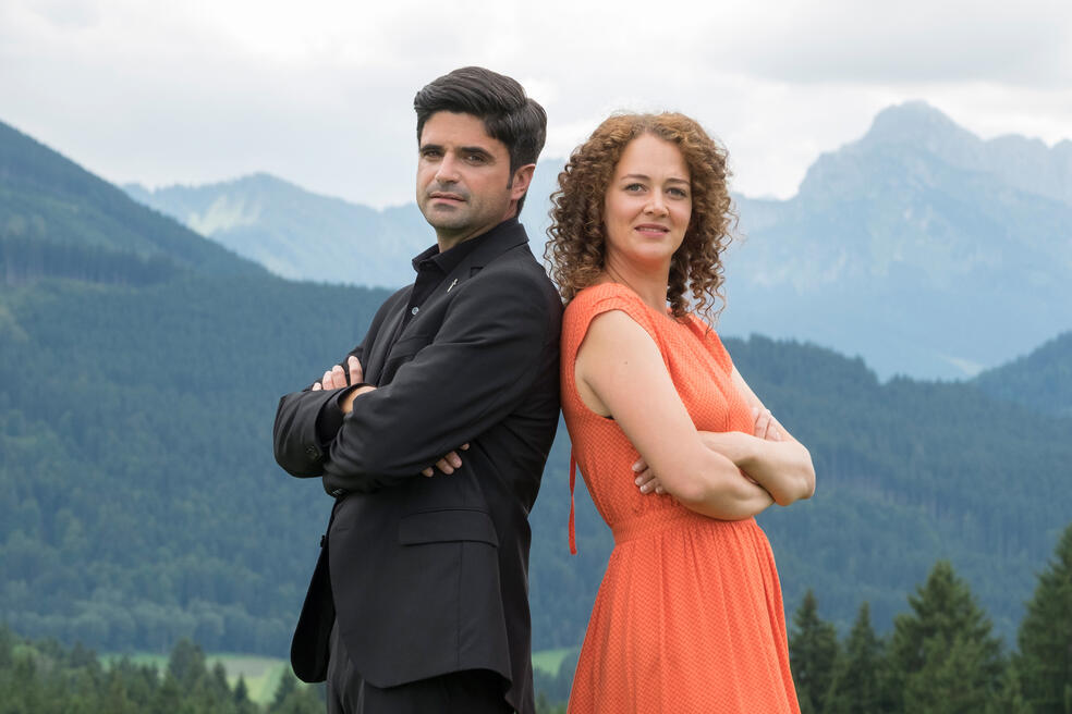 Tonio und Julia: Kneifen gilt nicht mit Maximilian Grill und Oona-Devi Liebich