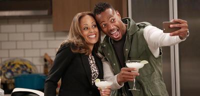 Marlon geht bei NBC in Serie.