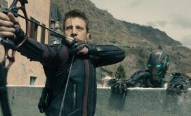 Marvel's The Avengers 2: Age of Ultron mit Jeremy Renner - Bild 1