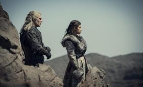The Witcher, The Witcher - Staffel 1 mit Henry Cavill und Anya  Chalotra - Bild 1