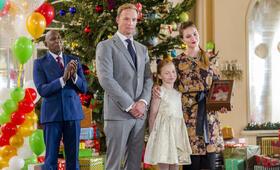 Eine Königin Zu Weihnachten mit Rupert Penry-Jones, Colin McFarlane, Alexandra Evans und Ellie  Botterill - Bild 2