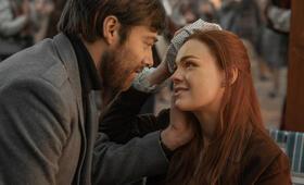 Outlander - Staffel 4 mit Sophie Skelton und Richard Rankin - Bild 10
