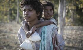 Lion mit Abhishek Bharate und Sunny Pawar - Bild 7